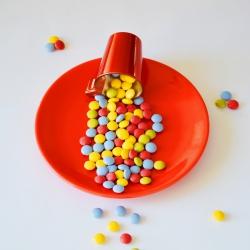 Bonbons dragées protéinés multicolores au chocolat 40g DLUO 31/10/2019