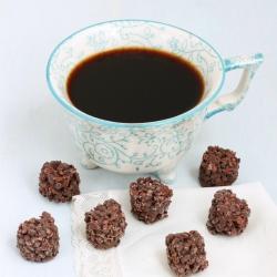 Bouchées protéinées aux céréales et chocolat noir